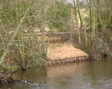 riverbank-footpath-fobb-bowdon-bollin